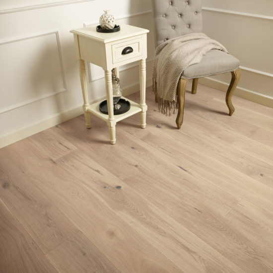5g Invisible Brushed Matt Lacquered Oak