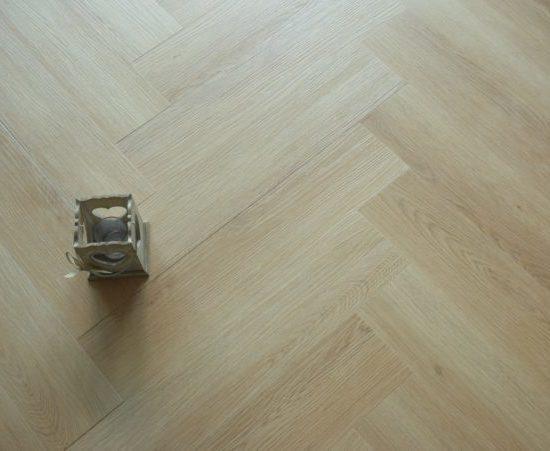 Ftsh01 Spc Herringbone 6.5/0.5x128x615mm Raw Oak (with 1mm Built In Underlay) V4